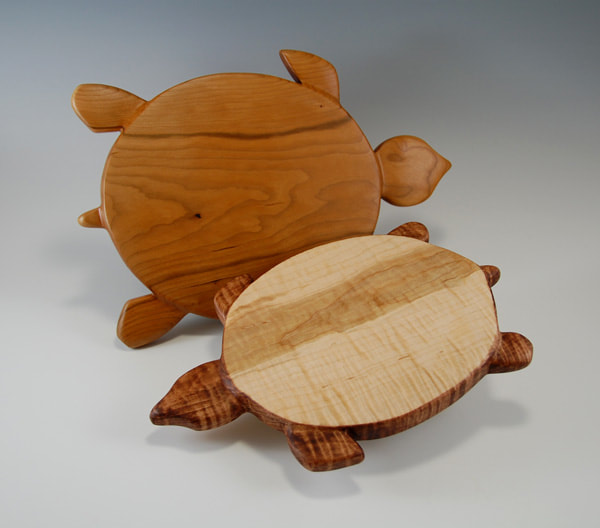natural woodgrain handcarved turtle shape serving board